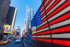 霓虹时常美国旗子正方形, NYC 图库摄影