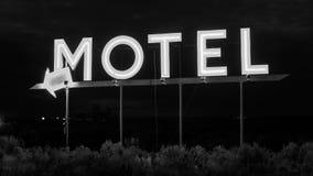 霓虹汽车旅馆标志 库存照片