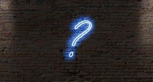 霓虹灯在一个黑暗的砖墙上的问号 库存图片