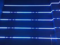 霓虹蓝色的光 免版税库存照片