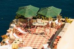露台和遮阳伞 免版税库存照片