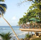 露台在加勒比海手段大马伊斯群岛尼加拉瓜的餐馆酒吧 库存照片