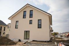 露台的房子,最近建造,壳在德国 图库摄影