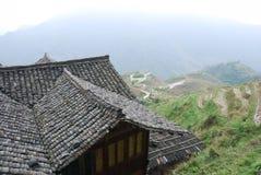 露台的领域中国人村庄的看法 免版税库存照片