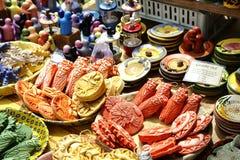 暴露在Cours Saleya的待售陶瓷 免版税库存照片