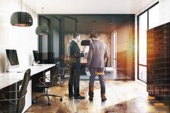 露天场所办公室,衣物柜,木墙壁,人 库存照片
