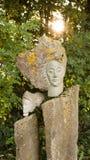 露天妇女石的sculpure 库存照片