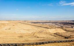 露天开采的褐煤矿 皮带输送机 免版税图库摄影
