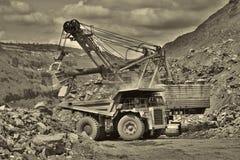 露天开采的铁矿 免版税库存图片