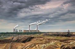 露天开采矿矿和能源厂 免版税库存图片