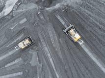 露天开采矿矿,品种排序 采矿煤炭 推土机排序煤炭 农业,硬煤 煤炭工业 免版税库存图片