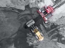 露天开采矿矿,品种排序 采矿煤炭 推土机排序煤炭 农业,硬煤 煤炭工业 库存图片