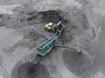 露天开采矿矿,排序的品种,开采的煤炭,农业 免版税图库摄影