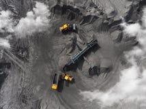 露天开采矿矿,排序的品种,开采的煤炭,农业 免版税库存图片