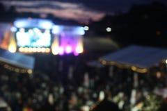 露天音乐节音乐会事件Defocused背景  免版税库存图片