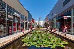 露天购物中心在Ashdodo,以色列 免版税图库摄影