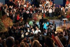 露指手套与支持者的Romney会议, Romney集会 库存照片