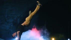 霹雳舞芭蕾舞蹈艺术表现慢动作 股票录像