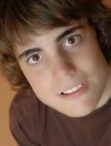 青少年可爱的男孩 免版税库存照片