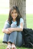 青少年女孩准备好的学校 免版税库存照片
