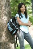 青少年女孩准备好的学校 免版税库存图片
