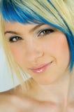青少年女孩头发有趣的纵向 图库摄影
