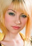 青少年女孩头发有趣的纵向 免版税库存图片