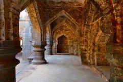 青少年的Darwaja潘哈拉堡垒,戈尔哈布尔,马哈拉施特拉曲拱  库存照片