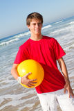 青少年球的海滩 库存图片