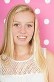 青少年白肤金发的女孩 免版税库存图片