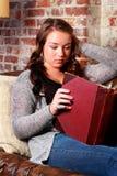 青少年的家庭作业 免版税库存照片