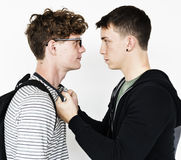 青少年的战斗愤怒冲突暴力侵略 免版税库存图片