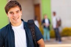 青少年的男孩书包 免版税库存照片