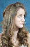 青少年长期的头发 图库摄影