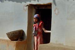 青年期女孩农村的印度 免版税库存图片