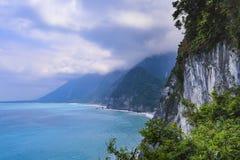 青水峭壁看法  最高的峰顶,青水山,上升2408米直接地从太平洋 免版税库存图片