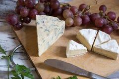 青纹干酪和软制乳酪 库存图片
