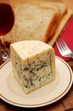 青纹干酪新鲜的表 免版税库存照片