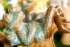 青蛙陶瓷玩偶 库存图片