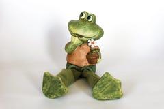 青蛙陶瓷雕象  库存图片