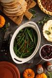 青豆用感恩或圣诞晚餐的烟肉 免版税图库摄影