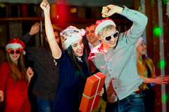 青年人圣诞晚会 图库摄影