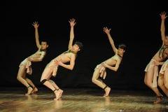青年时期黑天使现代舞蹈舞蹈动作设计者亨利Yu时代  免版税库存图片