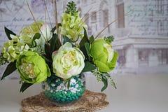 静物画-在花瓶的花 免版税库存照片