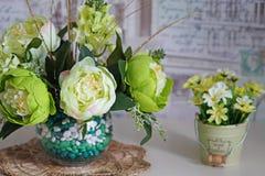 静物画-在花瓶的花 免版税库存图片