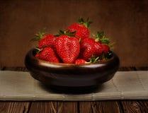 静物画用新鲜的草莓 库存图片