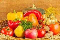 静物画用水果和蔬菜 免版税图库摄影
