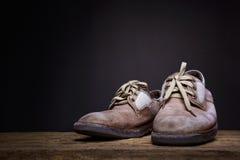 静物画老莱瑟鞋子 免版税图库摄影