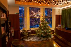 靛蓝旅馆,伦敦,英国 2017年12月31日 不可思议的内部Ch 图库摄影