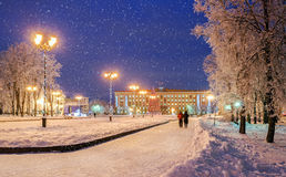 索非亚的广场在新年假日期间在Veliky诺夫哥罗德 免版税库存照片